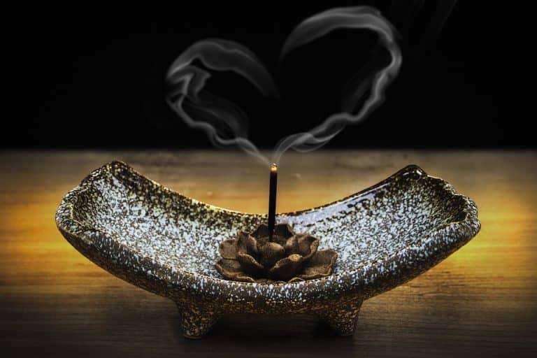 Mantra-Incense_BURNING_INCENSE_for_CONCENTRATION